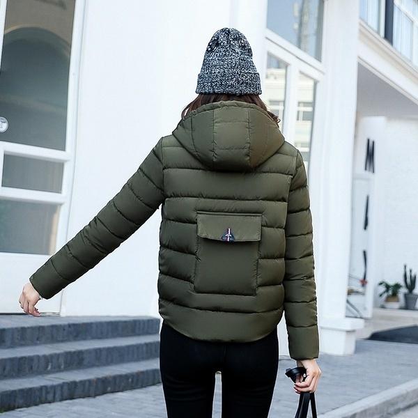 2017新しい到着の女性の冬のジャケットファッションスリムデザインのフード付きコットンパッディングアウトウェアパーカーコート