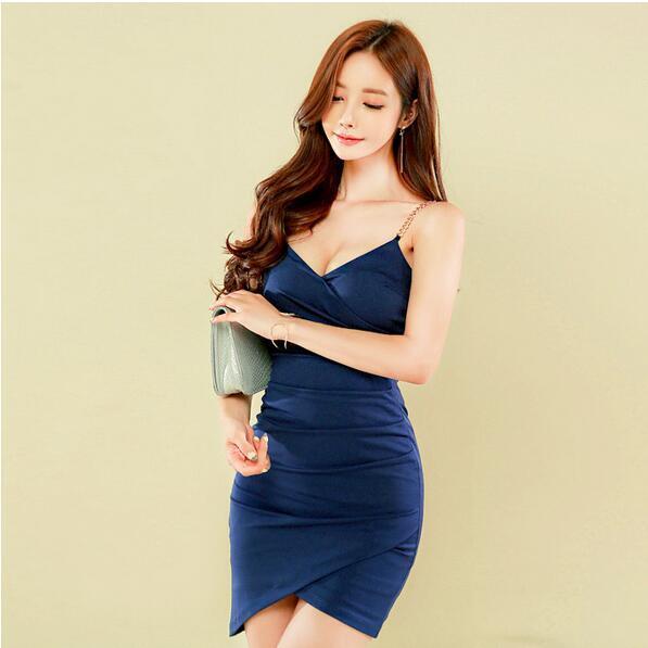 レディースワンピース 肩紐チェーンがポイント セクシーミニタイトドレス 韓国ファッション ノースリーブ