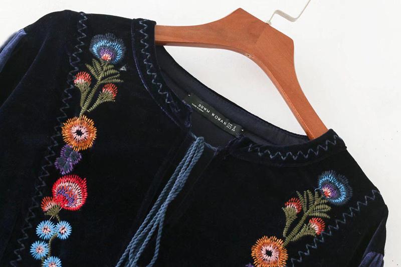 欧米風花刺繍入りプリンジ長袖カジュアルミニワンピース/ゆったり、体型カバーになる