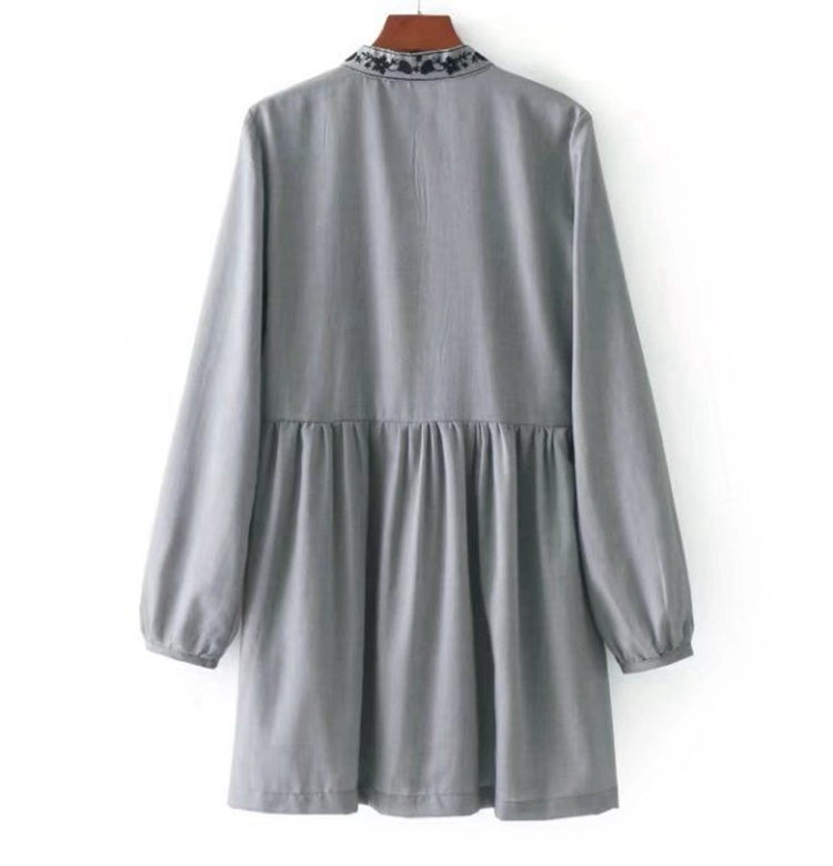 2017秋冬服新型、欧米百搭修身で長いデザイン長袖スタンド花刺繍ワンピース