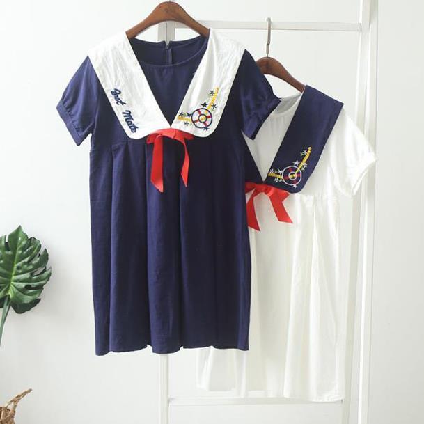 【55555SHOP】レイヤード風刺繍入りマリン襟リボン結び半袖ワンピース :紺/ホワイト
