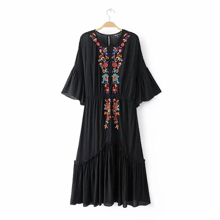 2017の欧米のゆったりして大きいコードの中で服の中の長のガーター+刺繍のワンピース