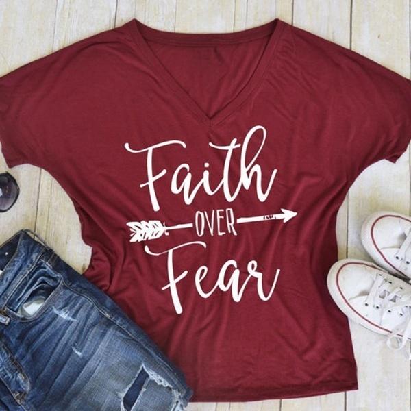 恐怖の上の信仰夏の女性のためのゆるいTシャツ