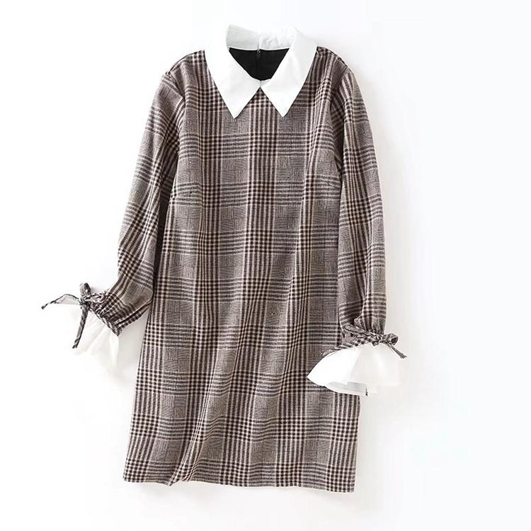 2017秋服新型、百搭長袖で長め修身着やせ人形ネックワンピース