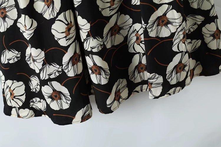 全2COLOR  2枚重ね切り替え 花柄ワンピース ヴィンテージ花柄ワンピース Vネック 長袖ロング丈ワンピース 着やせ レディース  ブラック、ブラウン