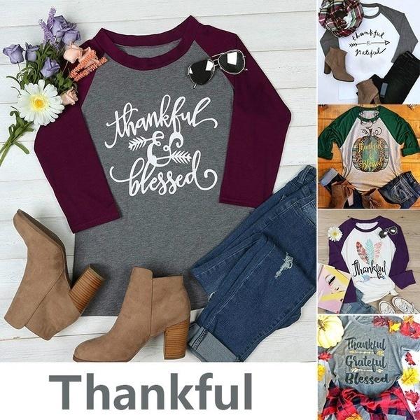 感謝の気持ちの良い祝福されたアローレタープリントTシャツシャツ