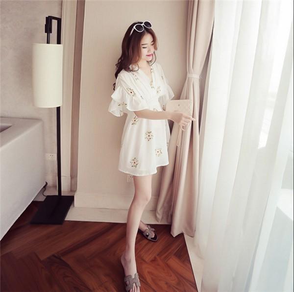 レディースワンピース 韓国無地 スリム 韓国のファッション 上品  学院?  Vネックシフォンワンピース プリントワンピース ハイウエスト  ハイセンス 着心地いい おしゃれ 夏 スリム セール★ レ