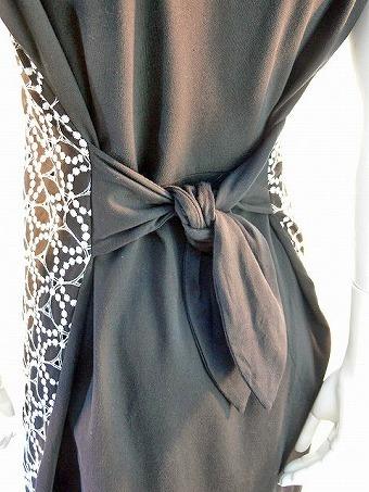 日本製 malla マーラ ワンピース バックリボン 刺繍 Aライン レディースワンピース コットン(ブラック)