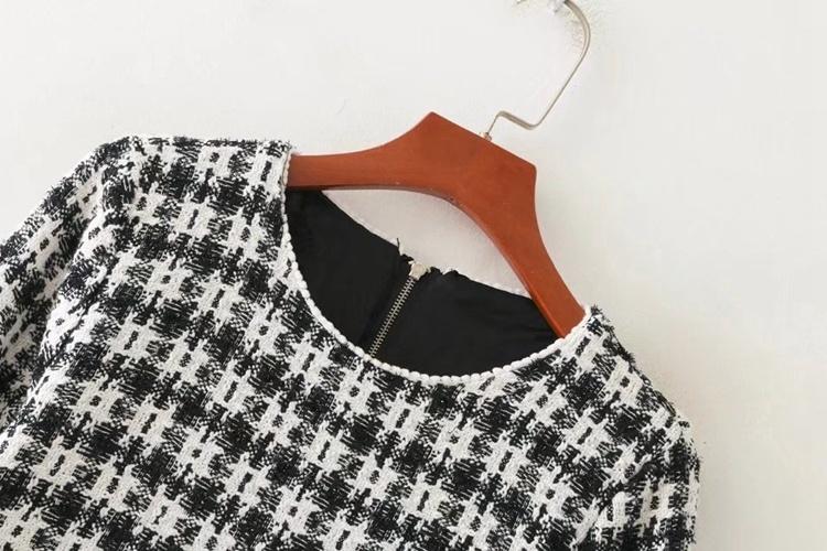2018春の新型、欧米、丸首の中袖白黒格子が軟らかいワンピース