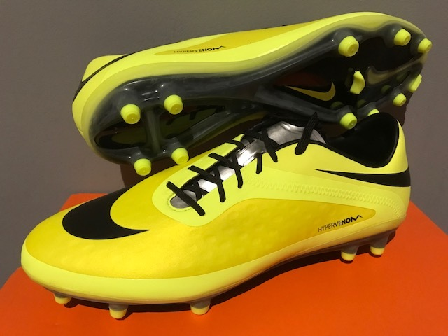 c0858f62026d Qoo10 - NIKE FOOTBALL BOOTS   Sports Equipment