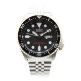 Seiko SKX007K2 Scuba Diver Jubilee Men Analog Stainless Steel Sport Black Watch