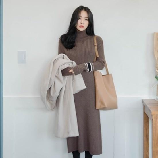ホワイト・フォックススリムフィットロングニット・ワンピース ニット・ワンピース/ 韓国ファッション