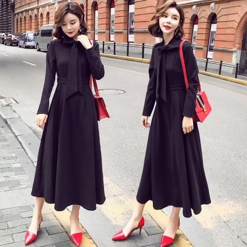 韓国ファッション2017年秋冬の新型の蝶は黒の復古のワンピースを結びます