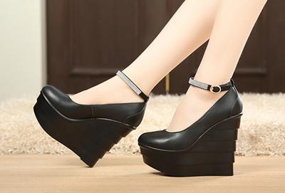 c0d1e1620a028e Qoo10 - Queen Style 13CM Cow Leather Ladies Shoe (Size33-39)   Shoes