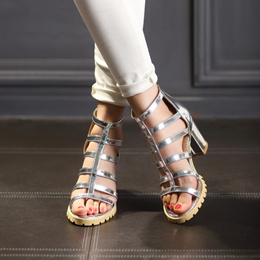New Summer women s shoes Gladiator Sandals 40-43 perforated Open Toe Sandals 44 45 Oversized Block H
