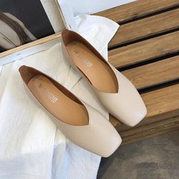 女式单鞋 / 韩版 / 纯色 / 夏秋季 / 浅口 / 平跟 / 豆豆鞋 / 女士休闲鞋 / 漆皮女鞋