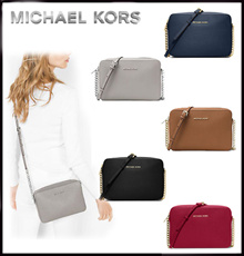 Michael Course MICHAEL KORS ★ JET SET LARGE SAFFIANO LEATHER CROSSBODY 32S4GTVC 3L 【Reserved Items】 Delivery schedule is around 10 days!