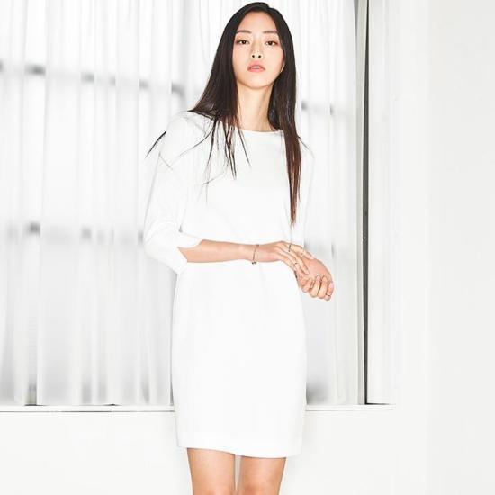 ナインNAINミニマルスリムワンピースOP2301 面ワンピース/ 韓国ファッション