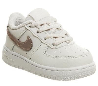 big sale 9e720 02faf 나이키 Nike Air Force 1 Infant Trainers Phantom Metallic Red Bronze White