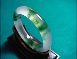 Natural Burmese jadeite jade bracelet floating flowers floating ice kind of special Class A bracelet flower琼楼 天然缅甸翡翠飘花玉手镯玉石翡翠冰种飘花特A级玉镯子