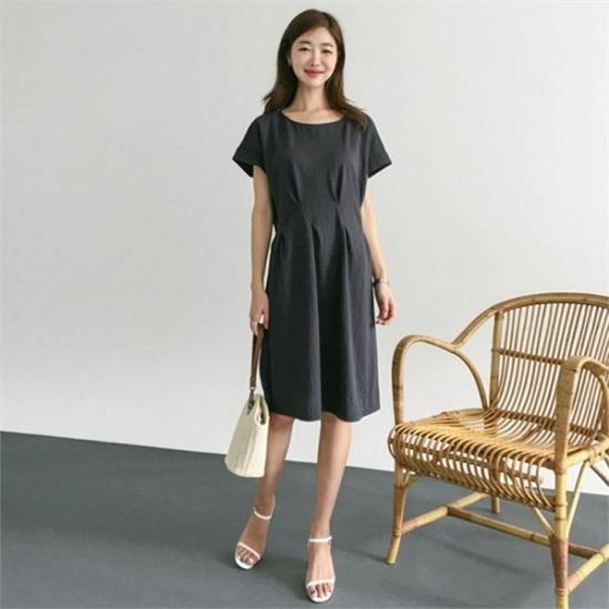るみさん行き来するようにるみさんるみさんセインピンタック・ラインワンピース プリントのワンピース/ 韓国ファッション