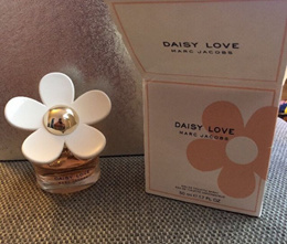 MARC JACOBS Daisy Love EDT 50ml perfume