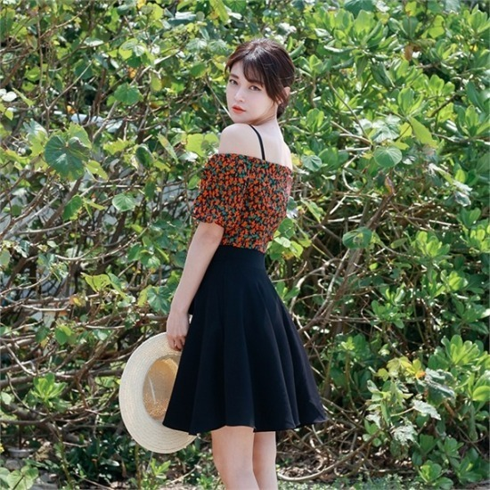 ベリープリティー行き来するようにベリプリティーフルーティーをオフショルダー・フレアワンピース 塔/袖なしのワンピース/ 韓国ファッション