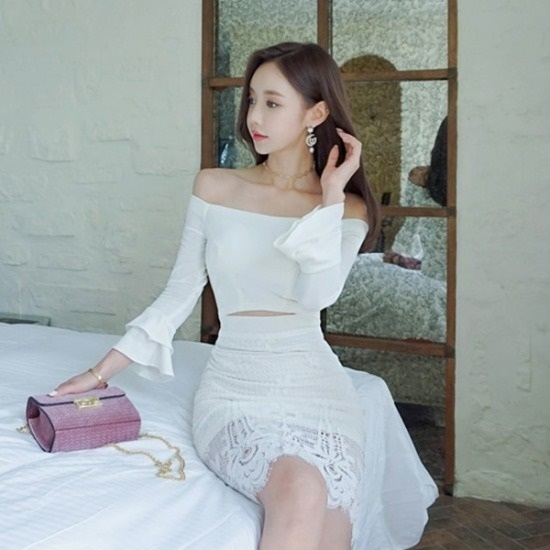 パビエンポムキン行き来するようにパビエンポムキンスノーフラワーミディワンピース プリントのワンピース/ 韓国ファッション