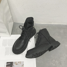 2018 autumn and winter new Martens female British Style wind chic Ankle Boots female Block Heel Flat