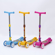 [SPECIAL OFFER] Height Adjustable Kids Scooter With Colourful Light-flashing Wheels. SG Seller