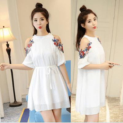 甘い白いストラップレスのドレスのパフの2017年夏脂肪MMの女性の韓国語バージョン韓国ファッション/ワンピース/花柄ワンピース/Vネックワンピース