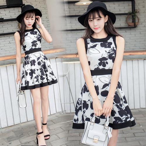 新しい黒と白のプリントスリムドレス2017夏/韓国ファッション/ワンピース/花柄ワンピース/Vネックワンピース