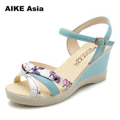 ea4e6421994b store 2018 New Summer Shoes Women Fashion Flat Sandals Leisure Bohemia  Ladies Beach Flip Flops Soft