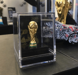 cup Brazil World Cup Soccer World Cup Trophy 1:1 Simulation souvenir box shipping nationwide