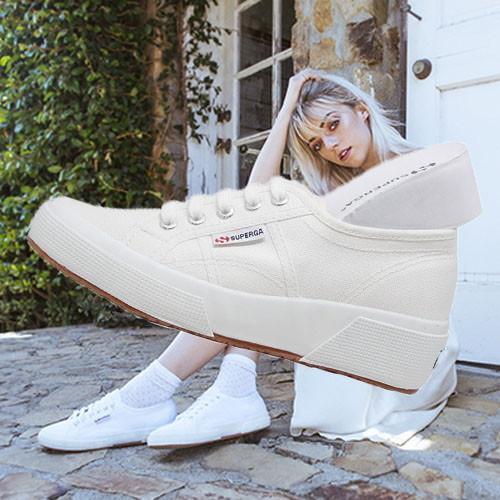 Qoo10 - [SUPERGA] Unisex Canvas Shoes