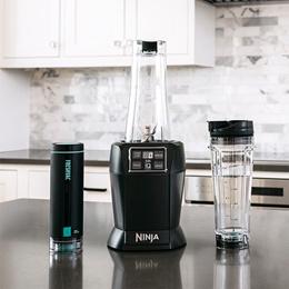 Ninja Blender Vacuum Blender (BL580) | 1000 Watts | Mixer / Juicer / Nutrient Extraction