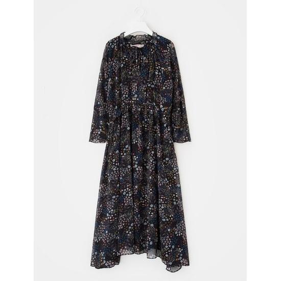エイトセカンズ女性ブラックフローラルシフォンプリルネクロングドレス127671Q985 面ワンピース/ 韓国ファッション