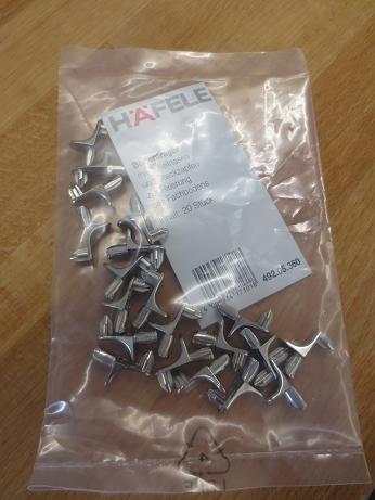 H/äfele Regalbodentr/äger 5 mm 20 St/ück mit 2 Keilnasen metall Regalhalter Bodentr/äger Regal