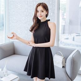 [Attrangs] op5059 도도한 심플 페미닌 무드의 백 리본 홀터넥 플레어 원피스 dress