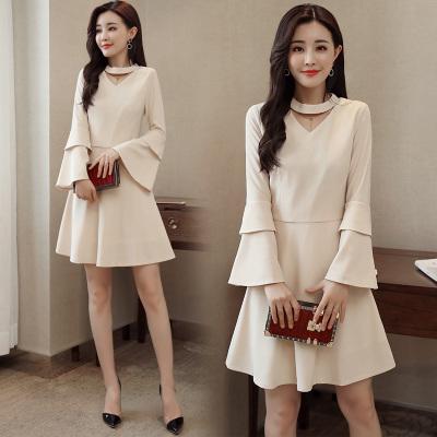 韓国ファッション2018春新型のVネックラッパ袖無地長袖腰ワンピース女