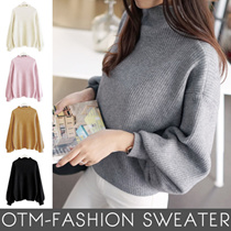 New autumn/winter fashion trend is a popular sweater with a larger slimmer slim-cut sweater