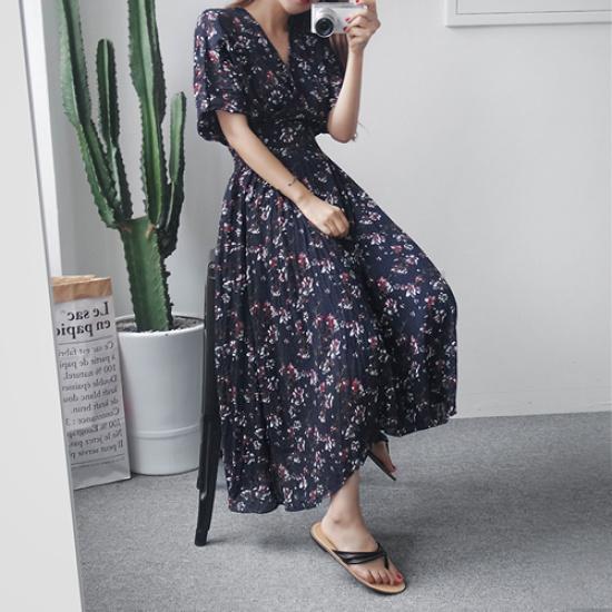 英と雨プラム・フラワーロングワンピース プリントのワンピース/ 韓国ファッション