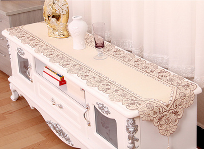 Beautiful Embroidery Cloth Table Dressing Runner With