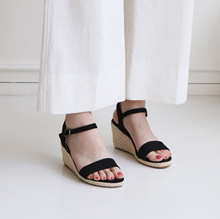 [SAPPUN官方旗艦店]Cervu釦帶楔型涼鞋(8cm)