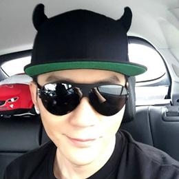 Big black bull with horns baseball hat Cap tide male and female hip hop Cap