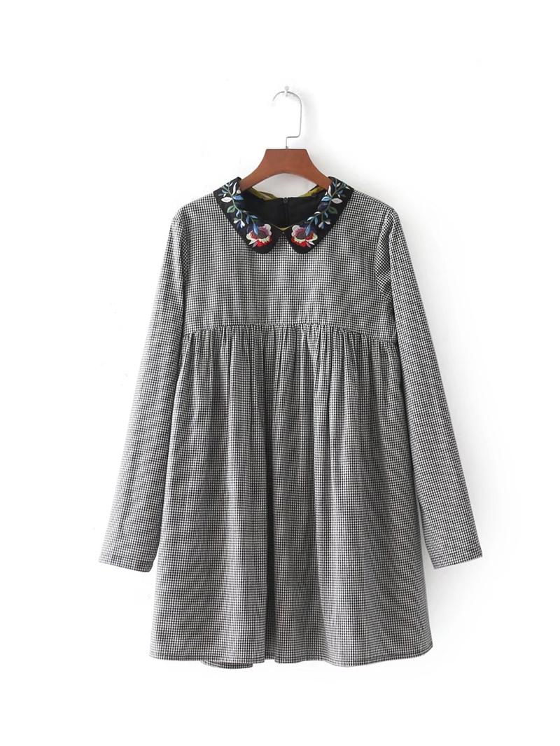 2017秋冬服新型、欧米風の刺繍の襟丸首丸首学生格子ワンピース