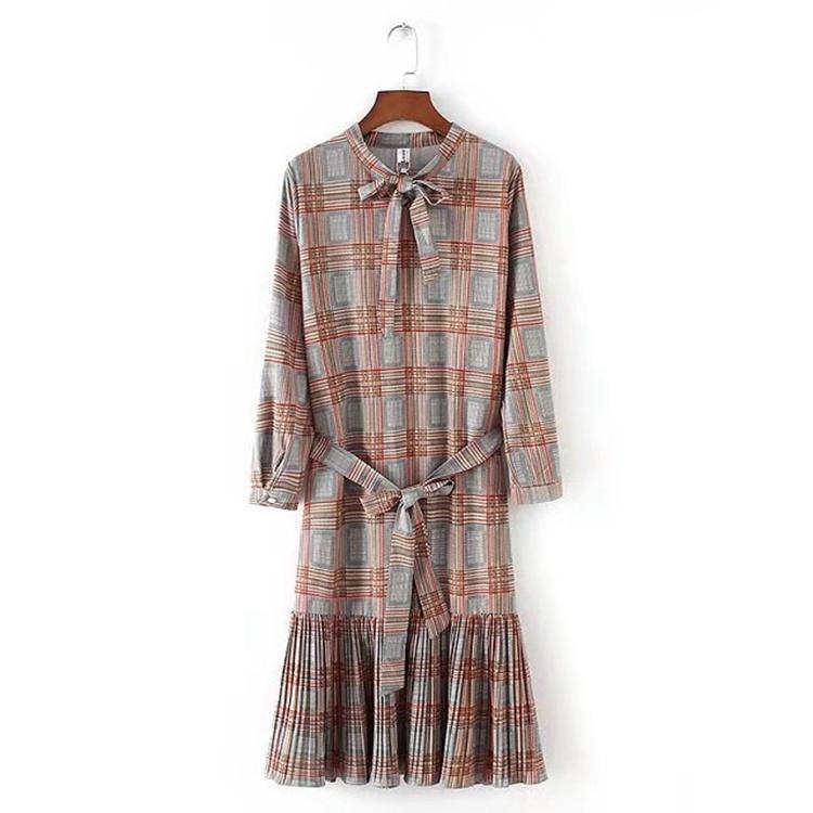 2018春服の新作、韓国スタイル、ちょう結びのプリーツのけい帯、小さく清新で、チェック、基礎を作ります、ロングタイプ、ワンピース
