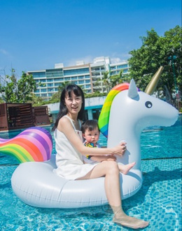 Giant floatie large unicorn inflatable float swimming pool party floats