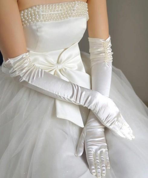 Qoo10ウェディング グローブ/グローブ/ショート ウェディングドレス結婚式 花嫁用品 ビーズ付 アイボリー/ウェディンググローブ/挙式)グローブ ウェディング/ブライダル