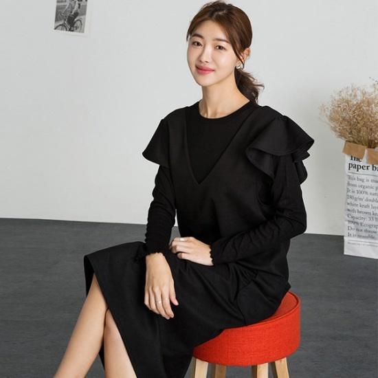 るみさんララ・ショルダーフリルのワンピース ニット・ワンピース/ 韓国ファッション